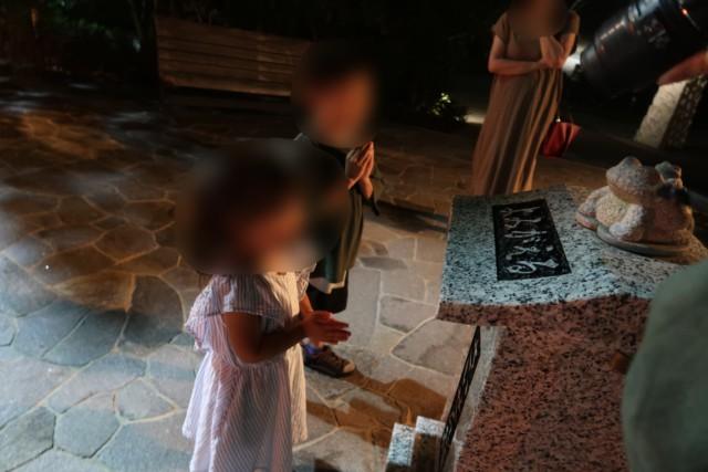 ネスタリゾート神戸,お祈りをする子供